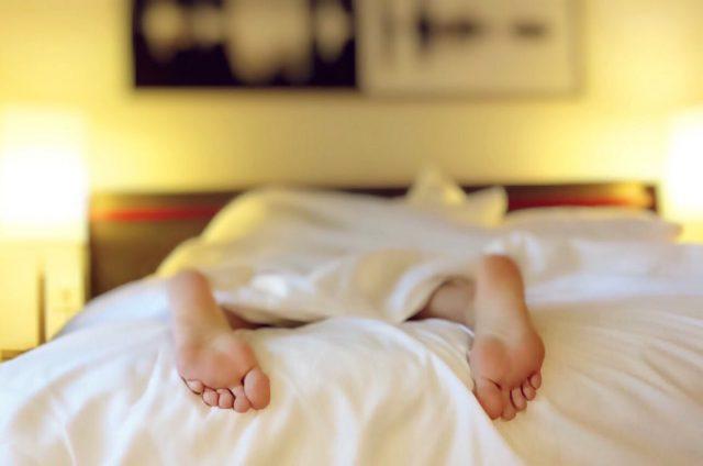 Schlaf gegen Fettabbau und für weniger Stress